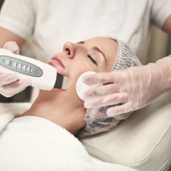 Ošetření ultrazvukovou špachtlí